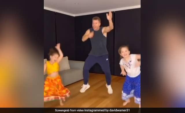 David Warner And His Daughters Dance On Akshay Kumars Hit Song Watch Video