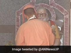 Unlock1: दो महीने बाद फिर खुले मंदिर, CM योगी ने गोरखनाथ मंदिर में की पूजा-अर्चना