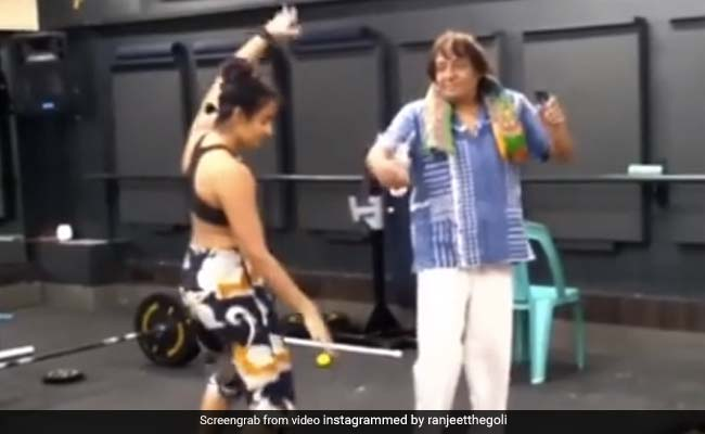 Ranjeet Dance With Daughter On Amitabh Bachchan Song Mehbooba Video Viral