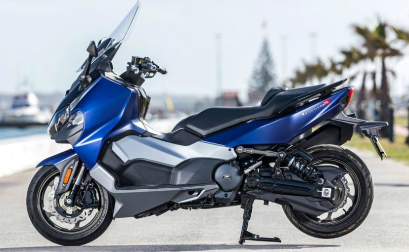 The SymMax TL maxi scooter is powered by a 456 cc parallel-twin engine