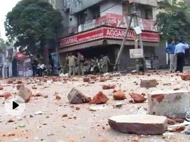 दिल्ली हिंसा: उमर खालिद के खिलाफ 100 पन्नों की चार्जशीट, देशविरोधी भाषण देने, दंगा भड़काने के आरोप