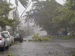 चक्रवात 'निसर्ग': तेज हवा से गिरा बिजली का खंभा, 58 साल के व्यक्ति की मौत