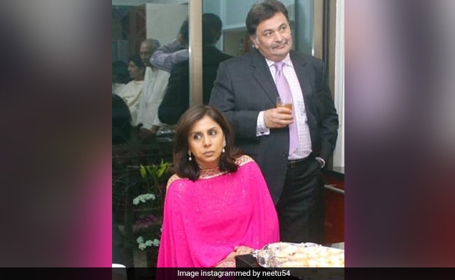 'Value Your Loved Ones': Neetu Kapoor Shares A Throwback Pic With Rishi Kapoor