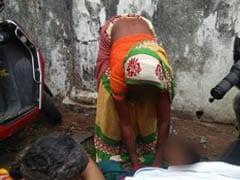 छत्तीसगढ़ : मेडिकल कॉलेज के बाहर महिला ने दिया बच्चे को जन्म, अस्पताल कर्मचारियों पर लगाए ये आरोप