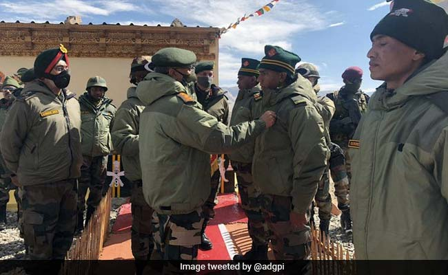 Army Chief Reviews Situation, Interacts With Jawans In Ladakh