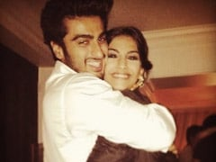 """Sonam Kapoor's Birthday Posts From """"Best Hugger"""" Arjun And Other Family"""