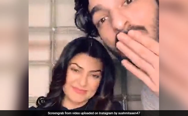 Aarya Star Sushmita Sen Delights Fans With Surprise Live Session, Cameo By Rohman Shawl