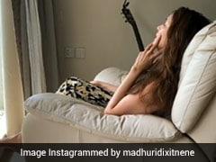 माधुरी दीक्षित ने शानदार अंदाज में गुनगुनाया 'नैना बरसे' गाना, 4 लाख से भी ज्यादा बार देखा गया Video
