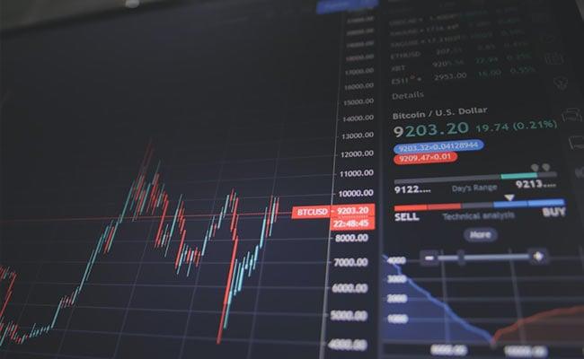 Share Market : उतार-चढ़ाव के बीच फ्लैट बंद हुए सेंसेक्स-निफ्टी, मिड और स्मॉलकैप शेयरों में तेजी