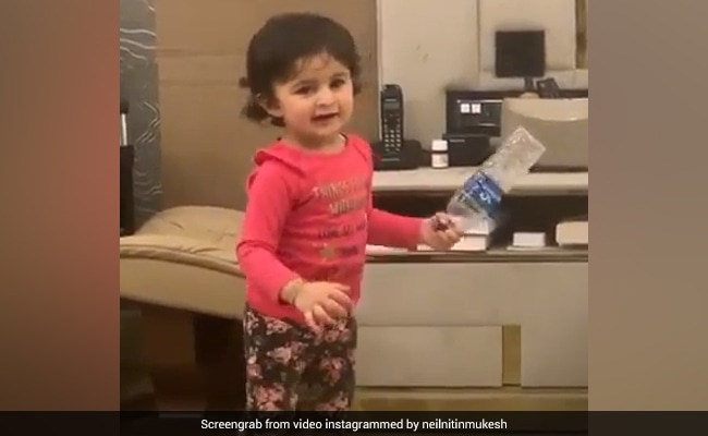 नील नितिन मुकेश की बेटी ने पिता के गाने पर किया जबरदस्त डांस, Cute Video हुआ वायरल