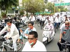 पेट्रोल-डीज़ल मूल्यवृद्धि के खिलाफ प्रदर्शन मामले में दिग्विजय सिंह समेत 150 कांग्रेस कार्यकर्ताओं पर FIR दर्ज