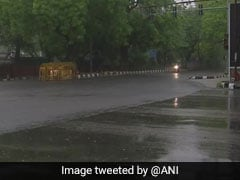 Light Rains In Delhi, Humidity Levels Shoot Up