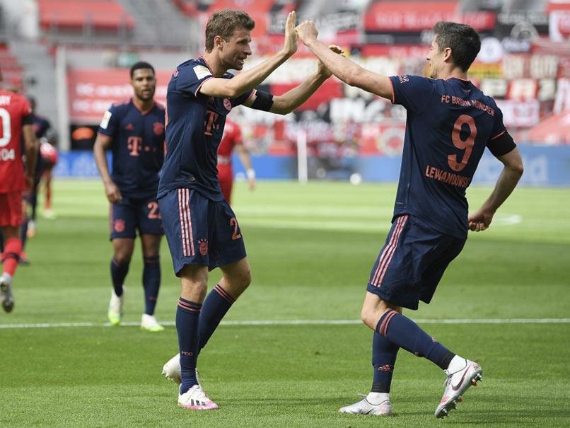Robert Lewandowskis 30th Bundesliga Goal Of Season Takes Bayern Munich Close To Title