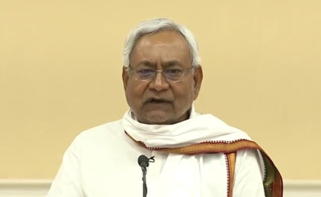 Nitish Kumar Reviews Meeting On Measures Over Flood Preparedness In Bihar