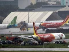 VietJet Pilots Suspended After Plane Skids Off Runway
