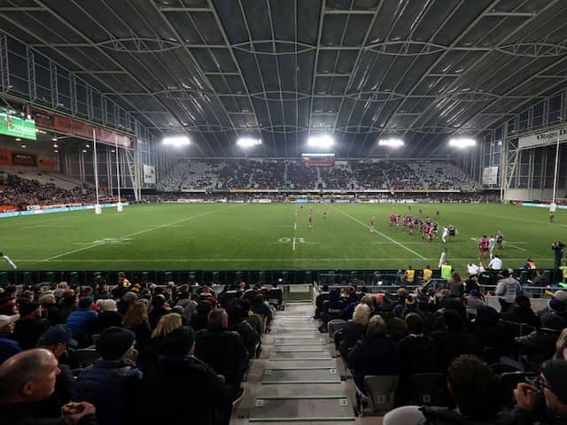 """""""Nobodys Wearing Masks"""": Rugby, Fans Return In New Zealand"""