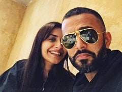 Anand Ahuja Trolls Sonam Kapoor With LOL Video Of Her Working Out. Her Reaction