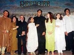 A Star-Studded <i>Refugee</i> Pic: Kareena Kapoor And Abhishek Bachchan With Amitabh Bachchan, Jaya Bachchan And Karisma Kapoor