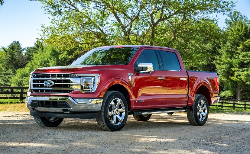 Connected F-150s can tell Ford when there's a problem with engine control software.