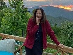 नीना गुप्ता ने मुक्तेश्वर से पहाड़ों की खूबसूरत तस्वीर की शेयर, कहा...
