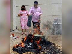 देशभर में चीन के खिलाफ विरोध प्रदर्शन, दिल्ली की डिफेंस कॉलोनी ने किया 'जंग का ऐलान'