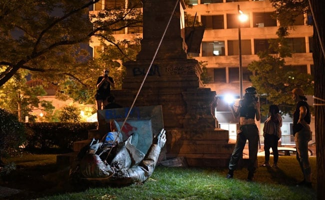 US Protesters Topple Statue Of Confederate General In Washington DC: Report