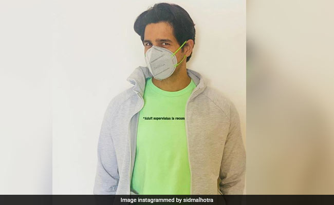 Accidentally Fashionable Sidharth Malhotra Shares A Pic From His 'New Normal Lifestyle'