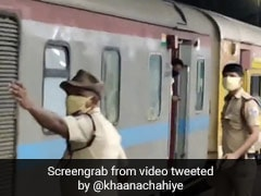ट्रेन के लिए देरी से पहुंचे कुछ प्रवासी मजदूत तो मुंबई पुलिस ने किया ऐसा, देखें Viral Video