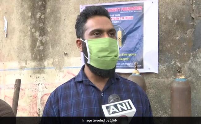 कोरोना महामारी के बीच मुंबई के दो दोस्त मरीजों के लिए बने 'देवदूत', मुफ्त में ऑक्सीजन सिलेंडर उपलब्ध करा रहे