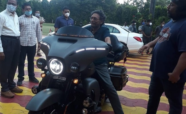 Photo Of Chief Justice Of India, Sharad Arvind Bobde On A Harley ...