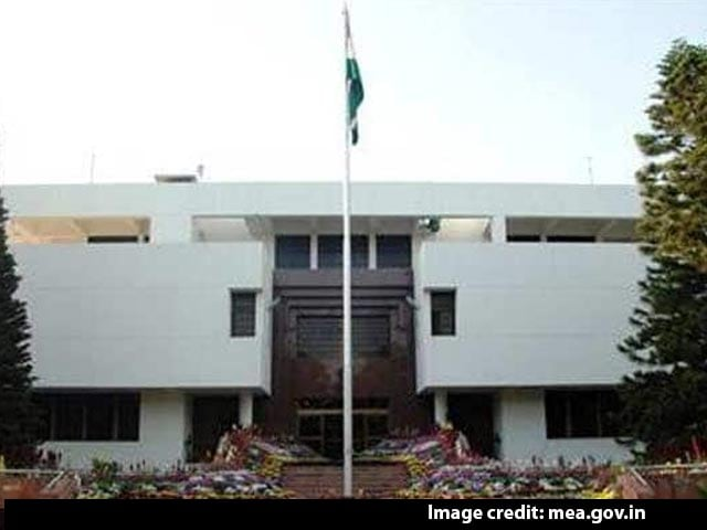 Video : 2 Indian High Commission Staffers Released By Pak Police