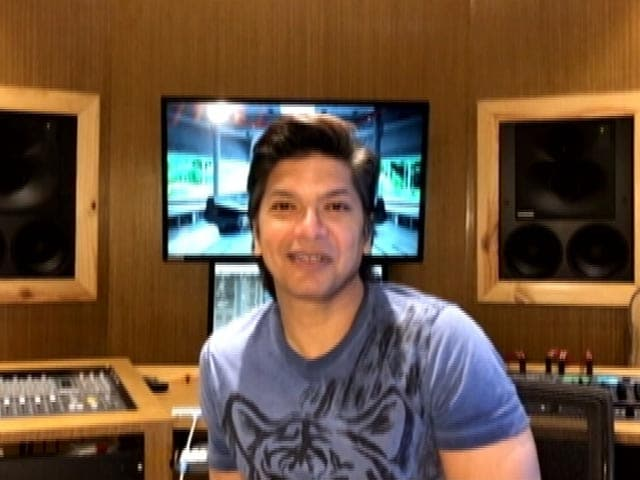 Video: Singer Shaan Sings 'Chaar Kadam', Asks To Walk Four Steps Together Towards Normalcy In Bengal