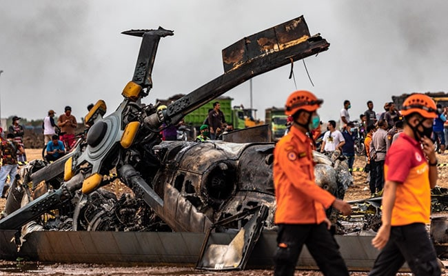 4 Soldiers Killed In Helicopter Crash In Indonesia