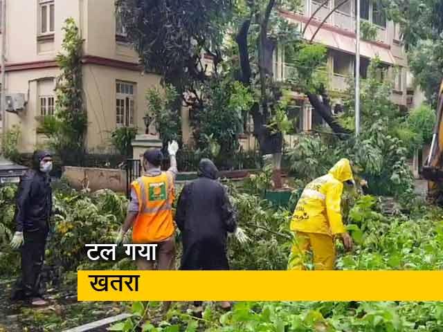 Videos : मुंबई को दोबारा पटरी पर लाने की कोशिशें शुरू