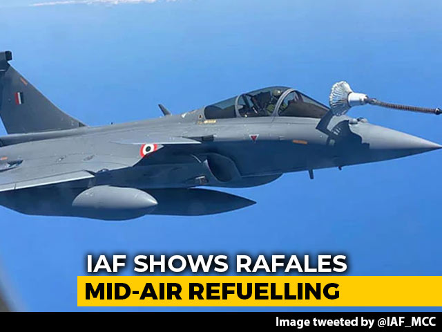 Video : One For The Road: Air Force Shows Rafales Re-Fuelling Mid-Air On Way Home