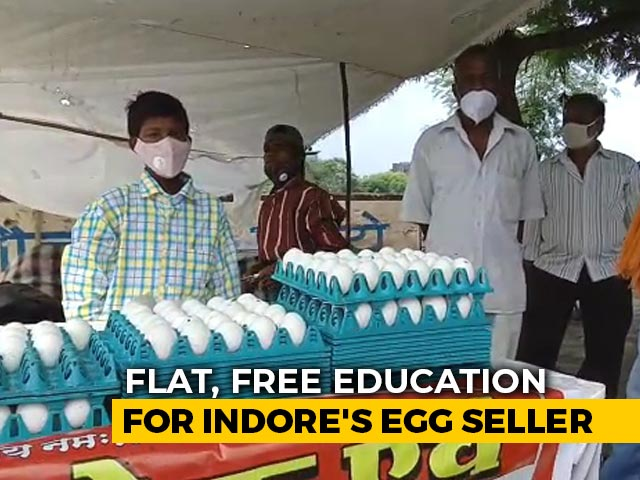 Video : Flat, Free Education For Indore Egg Seller Whose Cart Was Overturned