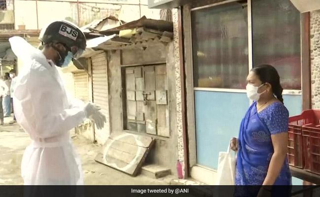 'Smart Helmets' Used For Mass COVID-19 Temperature Checks In Mumbai