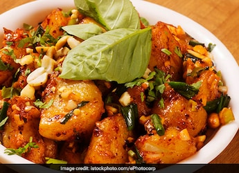 Allugedda Recipe: Try This Desi-Style Mashed Potato For Your Next Meal