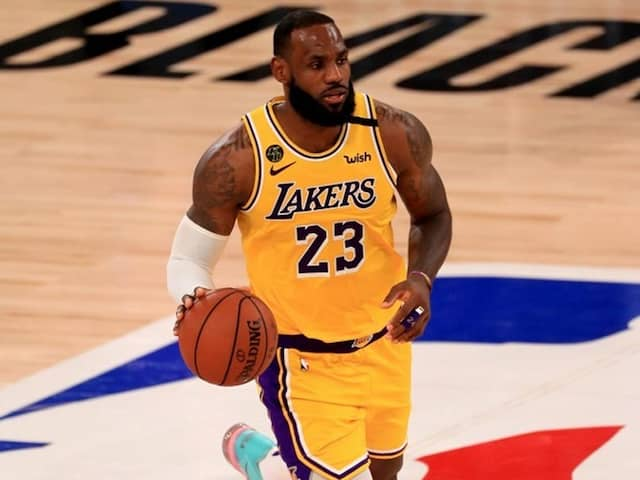 """LeBron James Vows To """"Push Forward"""" In Fight For Social Justice"""