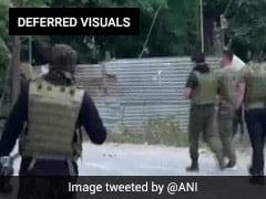 कश्मीर के बारामूला में आतंकवादियों और सुरक्षाबलों के बीच मुठभेड़