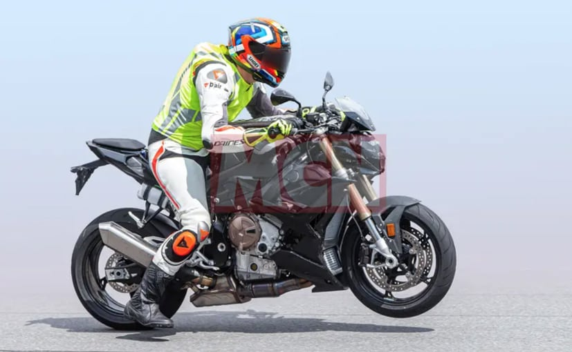 Spy shots reveal the updated BMW S 1000 R with a lot of visual changes undergoing testing