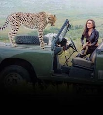 Karisma Kapoor Has Every Reason To Look Scared In This Pic With A Cheetah