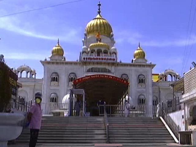 Video : Gurdwara Bangla Sahib Feeding The Hungry During COVID-19 Pandemic