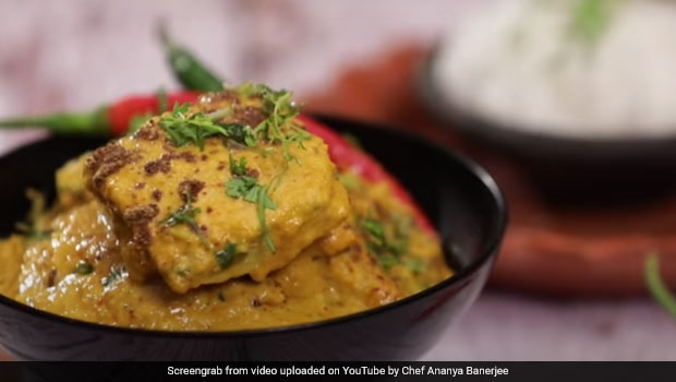 Watch: How To Make Steamed Egg Korma For A Fancy Meal At Home