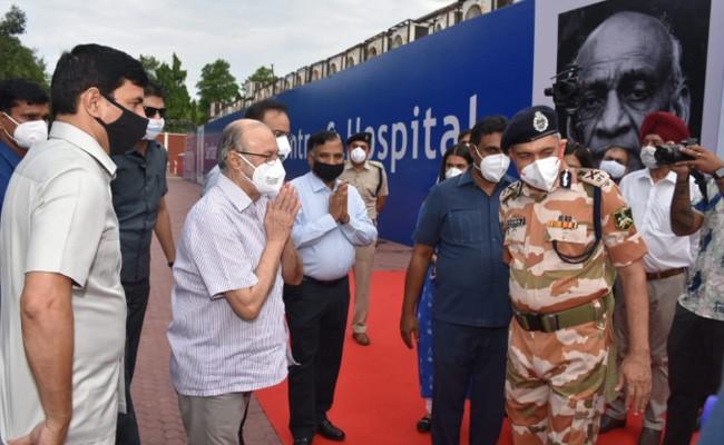 दिल्ली के राज्यपाल ने किया दुनिया के सबसे बड़े कोविड-19 अस्पताल का उद्घाटन