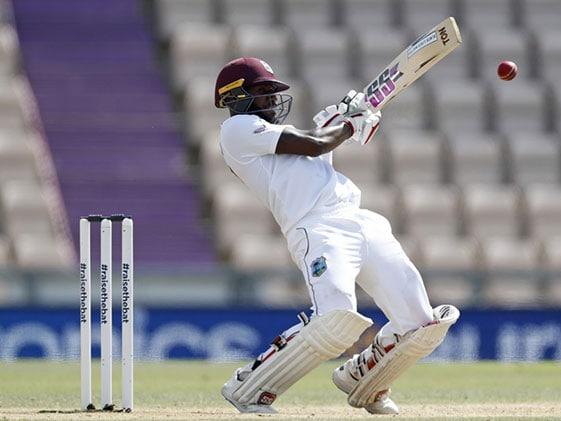 ENG vs WI 1st Test: ब्लैकवुड की बल्लेबाजी देखते हुए बेटे ने कहा, 'डैडी हिट द बॉल', फिर देखिए क्या हुआ ..देखें Video