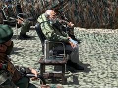 भारत-चीन भिड़ंत के बाद सैनिकों से मुलाकात के लिए लेह पहुंचे PM नरेंद्र मोदी, देखें तस्वीरें