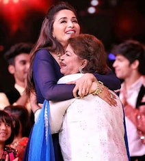 'Saroj Khan Made Everything Look Like Poetry In Motion': Madhuri Dixit