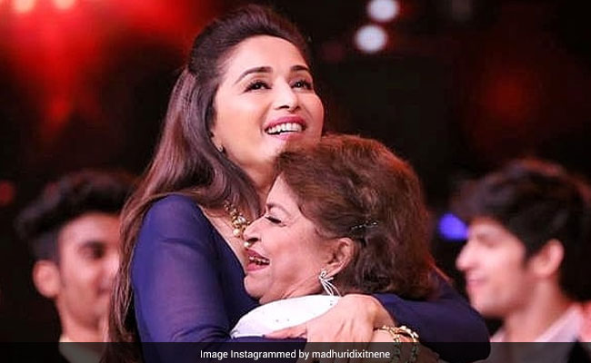 Guru Purnima 2020 - 'Saroj Khan Made Everything Look Like Poetry In Motion': Madhuri Dixit Posts Emotional Tribute