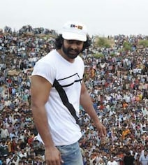 When 'Baahubali'-Sized Crowd Welcomed Prabhas On The First Day Of Filming